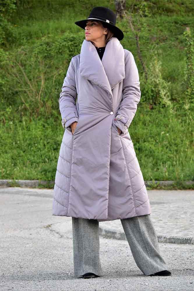 Пальто лиловое приталенное