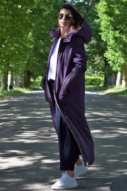Сиреневое пуховое пальто в пол