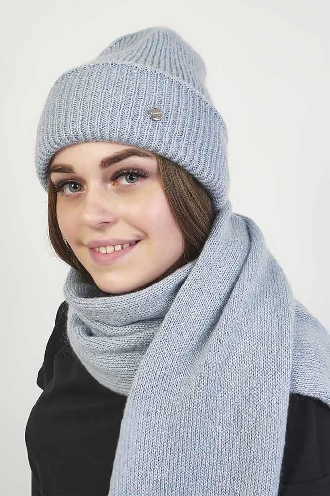 Женский вязаный комплект шапка и шарф